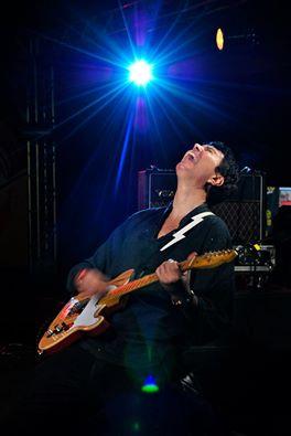 [REVIEW] Entrevista com o guitarrista Carlo 'Castor' Daudt, por Yendis