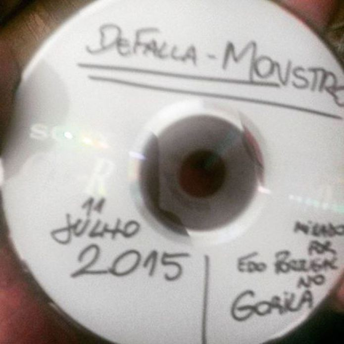 [ACERVO] CD Matriz do disco 'Monstro' da banda DeFalla