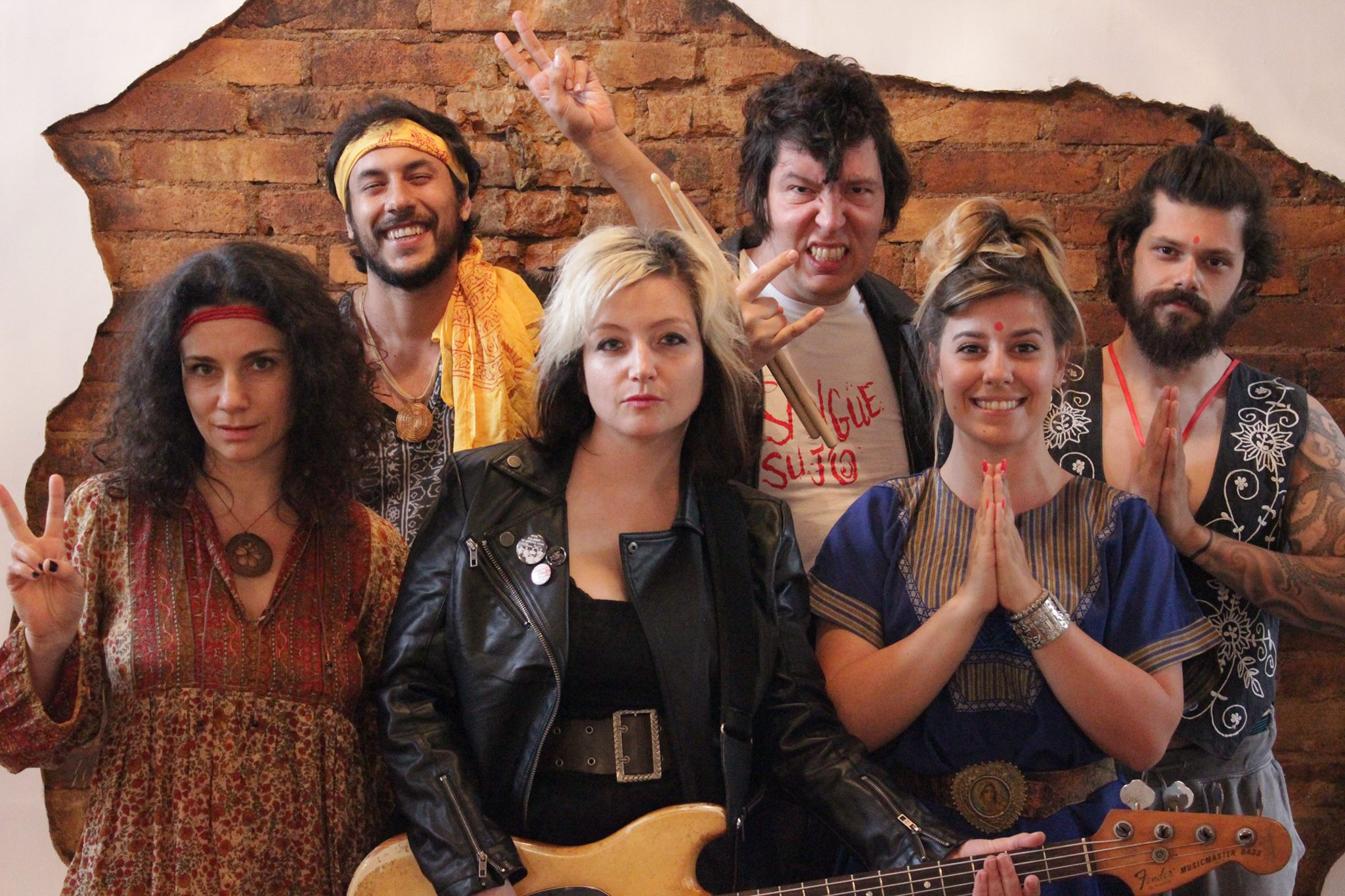 [TEATRO] Peça inspirada em música 'Um Hippie, um Punk, um Rajneesh'